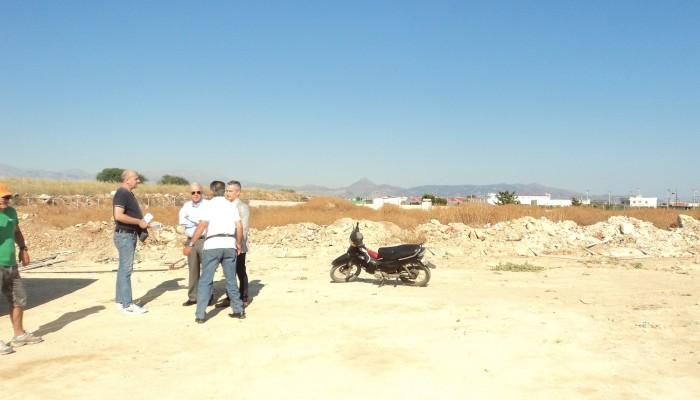 Στη δημοτική έκταση που κατασκευάζεται το Ικάριο Γήπεδο ο Β. Λαμπρινός