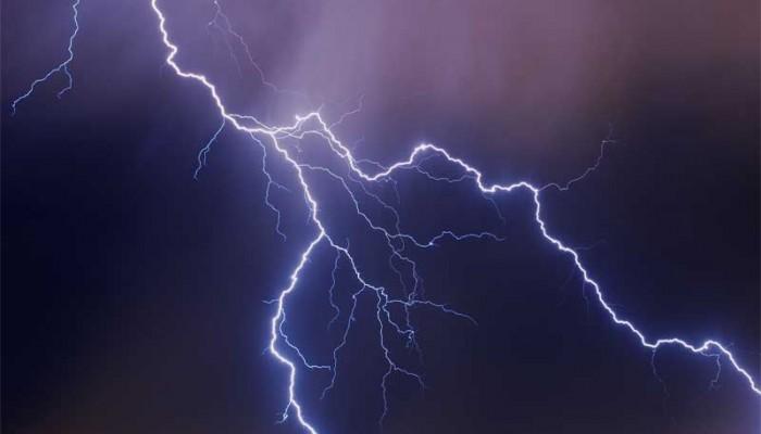Χανιά: Κεραυνός έπεσε σε στύλο της ΔΕΗ στο Κακοδίκι Κανδάνου!