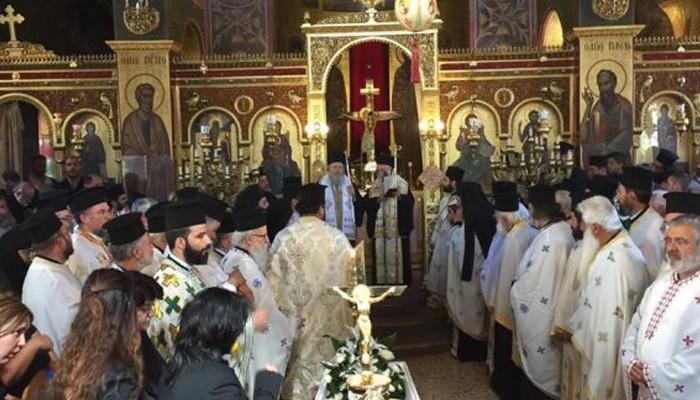 Πάνδημο το τελευταίο αντίο στον ιερέα του Αγ. Χαραλάμπους Λενταριανών