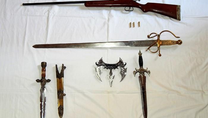 Συνελήφθη 32χρονος στο Ρέθυμνο, έτοιμος για...ξιφομαχία
