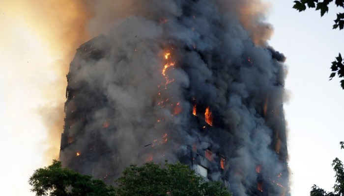 Ο Κάουελ ετοιμάζει φιλανθρωπικό single για τους πληγέντες από την πυρκαγιά