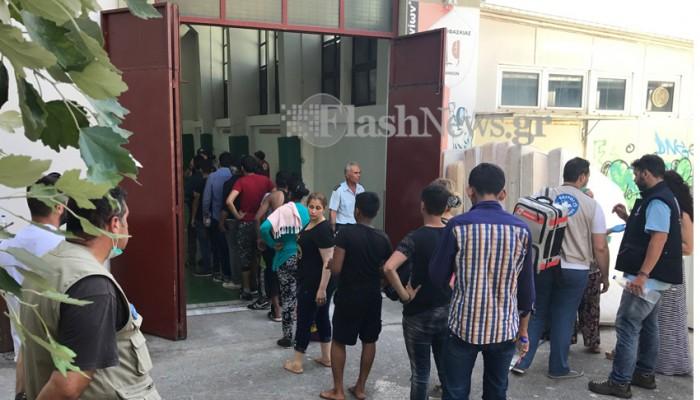 Έφυγαν 40 μετανάστες από την Παλιά Ηλεκτρική για την Αθήνα