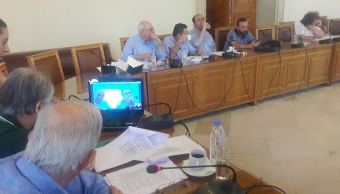 Οι δήμαρχοι της ΠΕΔ συζητούν για τους συμβασιούχους μέσω... skype!