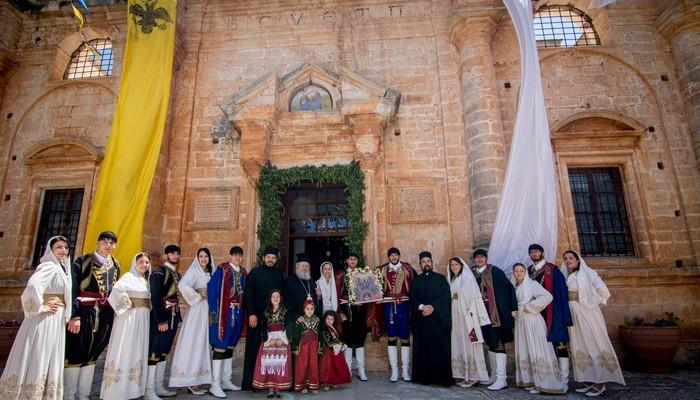 Λαμπρός εορτασμός της Πεντηκοστής στην Ι.Μ. Αγίας Τριάδος των Τζαγκαρόλων