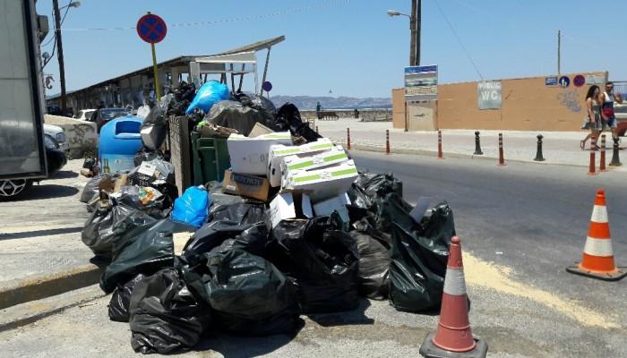 Eπιστολή στον δήμαρχο για τα σκουπίδια από τους εμπόρους του Ηρακλείου