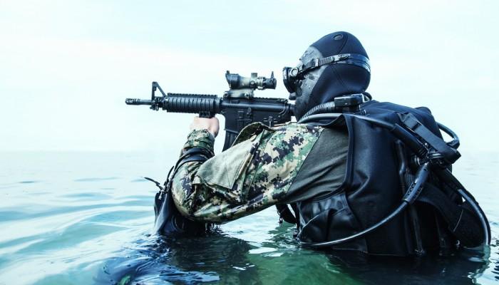 Βάση βατραχανθρώπων SEAL στη Σούδα και drones στο Καστέλλι θέλουν οι ΗΠΑ