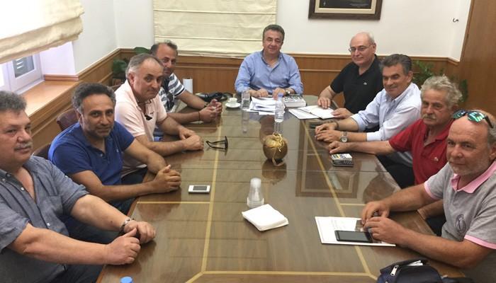 Συνάντηση Περιφερειάρχη Κρήτης με Δήμαρχο και φορείς της Βιάννου