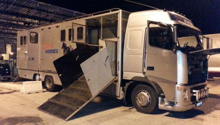 Θεσσαλονίκη: 22 μετανάστες ήταν κρυμμένοι σε φορτηγό