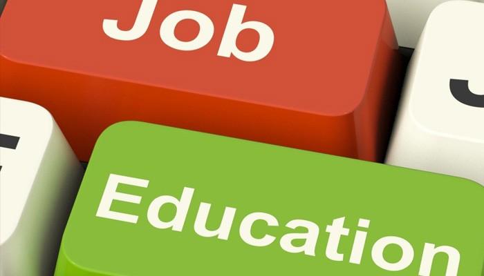 Σπουδές για επαγγελματική αποκατάσταση VS φοιτητικό τουρισμό.