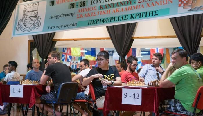 Σκάκι: Δυνατές μονομαχίες και ανατροπές στην Παλαιόχωρα