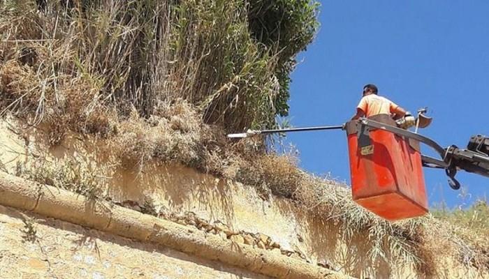 Καθαρισμός του τείχους της Ανατολικής Τάφρου στα Χανιά