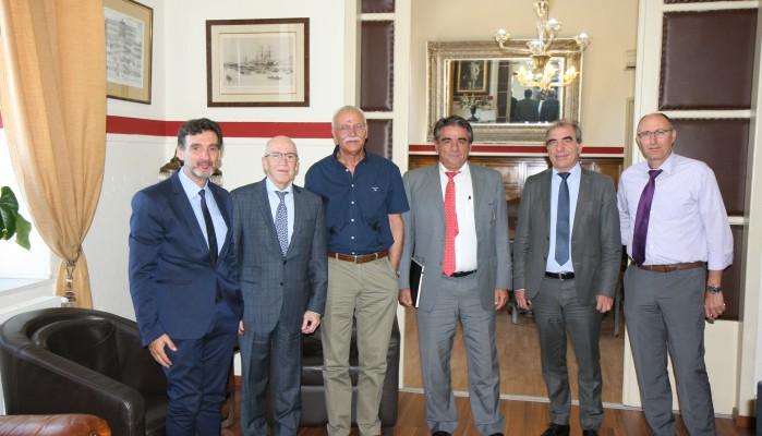 Η ανάπτυξη σε σύσκεψη στην Π.Ε. Χανίων με τον πρόεδρο της Attica Bank