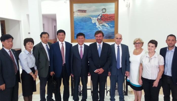 Σύμφωνο συνεργασίας μεταξύ Κρήτης και της Χαϊνάν της Κίνας