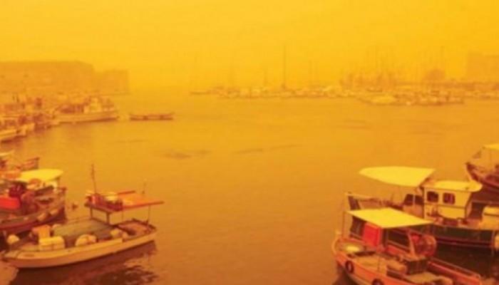 Στην άλλη άκρη του πλανήτη τυφώνας, στην Κρήτη αφρικανική σκόνη