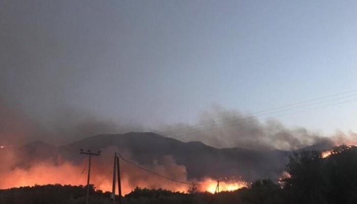 Μεγάλη φωτιά στο Αγκάραθο Ηρακλείου - Σηκώθηκε το πυροσβεστικό ελικόπτερο