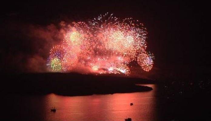 Η φαντασμαγορική αναπαράσταση της έκρηξης του ηφαιστείου στη Σαντορίνη