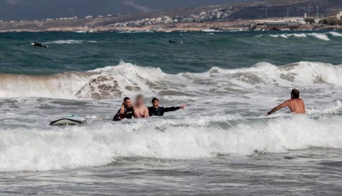 Ανήλικος κινδύνεψε να πνιγεί στη Χρυσή Ακτή στα Χανιά (φωτό)