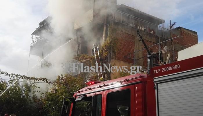 Φωτιά σε σπίτι στην περιοχή της Νέας Χώρας στα Χανιά (φωτο - βίντεο)
