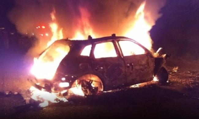 f944de5a95 Ηράκλειο  Aυτοκίνητο πήρε φωτιά εν κινήσει - Flashnews.gr