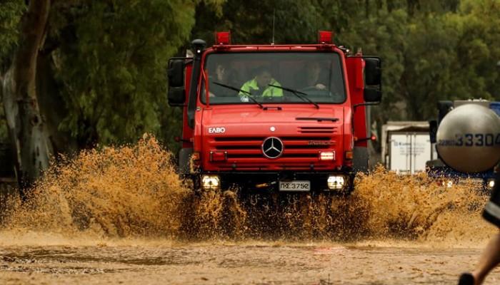 Πλημμύρες στην Ιεράπετρα - Επιχειρήσεις διάσωσης από την Πυροσβεστική