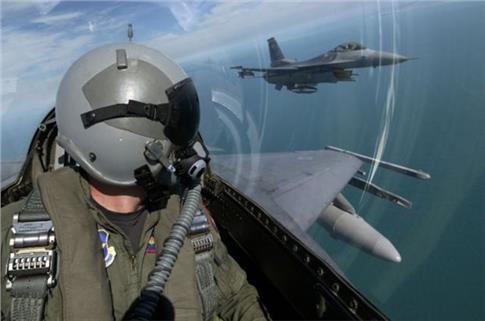 Τελειώνει ο χρόνος για τη συμφωνία αναβάθμισης των F-16