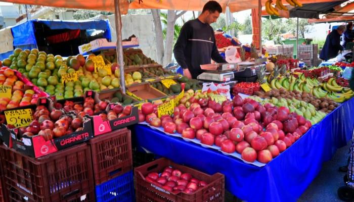 Κορονοϊός: Αν χρειαστεί θα κλείσουμε και τις λαϊκές αγορές