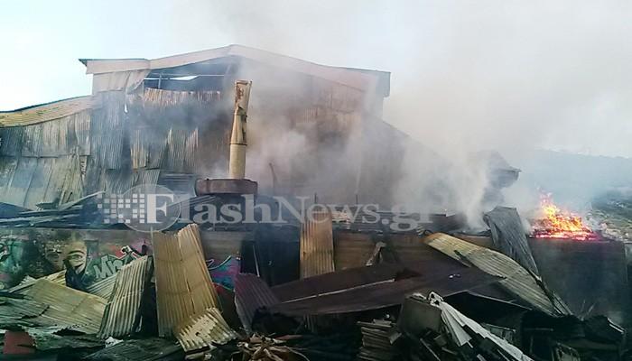 Παρανάλωμα του πυρός αποθήκη ξυλείας στα Χανιά (φωτο - βίντεο)