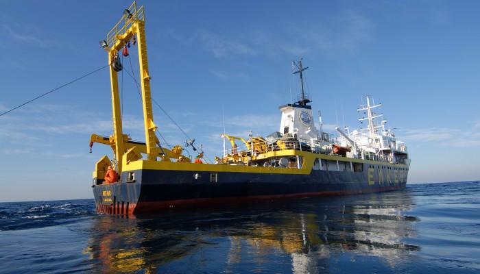 Σκάφος του ΕΛΚΕΘΕ για την ανέλκυση του μοιραίου Mirage