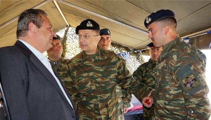 Δύο κενές θέσεις για τους στρατιωτικούς στο τραπέζι των στρατοπέδων