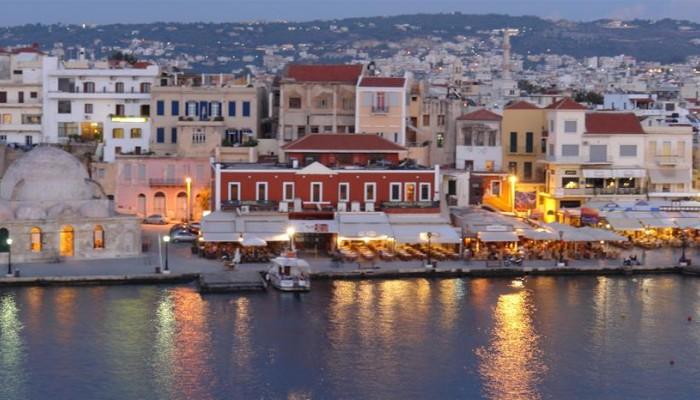 Χανιά:Απόφαση βάζει τέλος στην κίνηση οχημάτων στο Παλιό Λιμάνι όλο το έτος