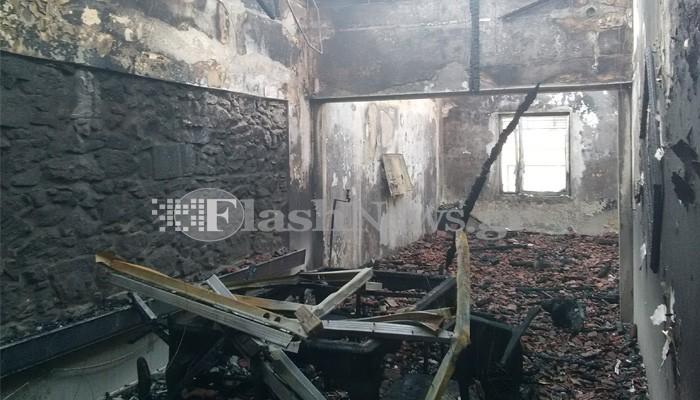 Μεγάλη πυρκαγιά σε διώροφο κτίριο στα Χανιά (φωτο)
