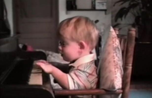 Γεννήθηκε χωρίς αίσθηση της όρασης, αλλά με τεράστιο μουσικό ταλέντο