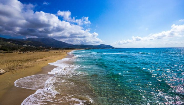 Φαλάσαρνα, μια παραλία με ιστορία