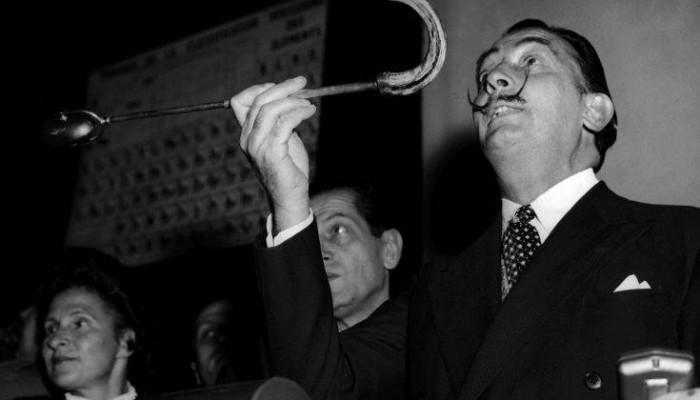 Ο άνθρωπος που κούρευε τον Νταλί και τον Γκαμπριέλ Γκαρσία Μάρκες