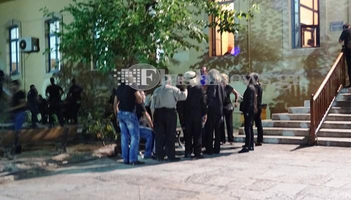 Κατάρες και μερική ικανοποίηση στην δίκη για τον φόνο του Μ. Στρατάκη (vid)