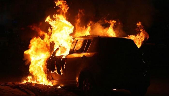 Φωτιά ξέσπασε σε όχημα στα Χανιά