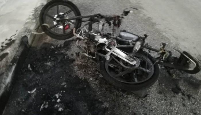 Κρήτη: Παρανάλωμα του πυρός αυτοκίνητο και μηχανάκι