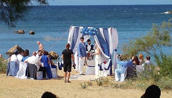 Σήμερα γάμος γίνεται σε... παραλία των Χανιών! (φωτο-βίντεο)