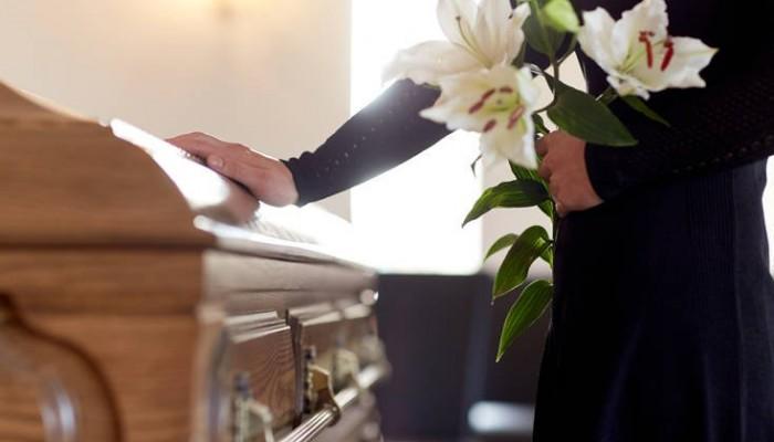 Είχαν τον γιο τους για νεκρό κι εκείνος εμφανίστηκε στην κηδεία του