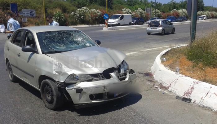 Τροχαίο ατύχημα με 2 τραυματίες στο κόμβο των Μουρνιών (φωτο)