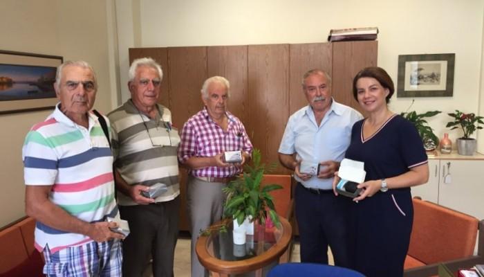 Ο Σύλλογος Συνταξιούχων Ο.Α.Ε.Ε. Ν. Χανίων δώρισε 5 οξύμετρα σε ΚΑΠΗ