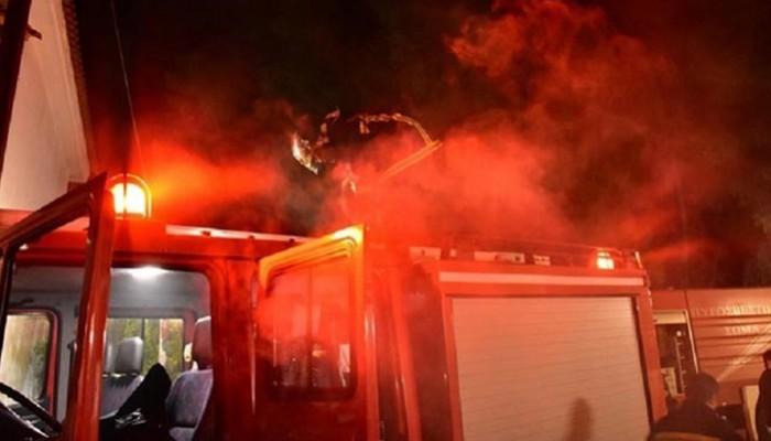 Πρόχειρο κατάλυμα τυλίχτηκε στις φλόγες στο Ηράκλειο