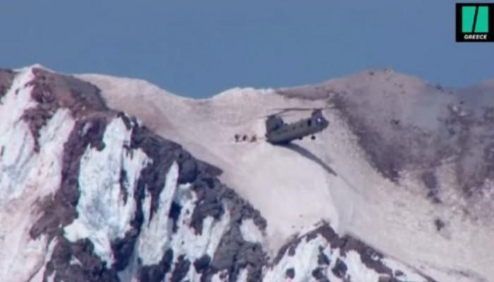 Συγκλονιστικό βίντεο:Σινούκ προσγειώνεται στις 2 ρόδες και σώζει ορειβάτες