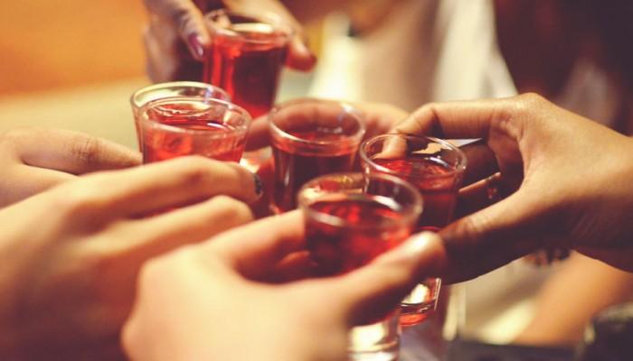 Κακό στην καρδιαγγειακή υγεία κάνει η ακατάσχετη κατανάλωση αλκοόλ
