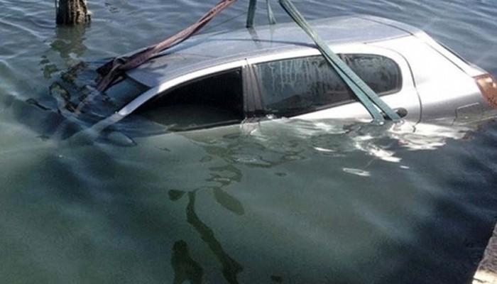 Χανιά: Πάρκαρε το αυτοκίνητο του και το βρήκε... μέσα στο λιμάνι