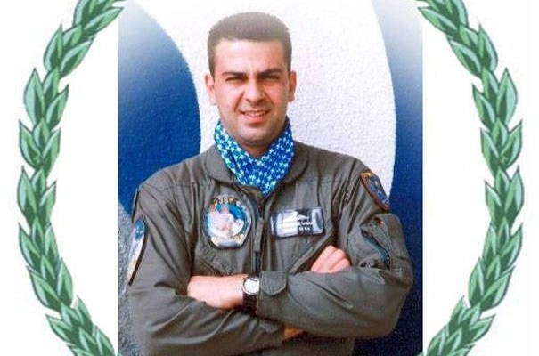 Ο πιλότος που έπεσε στο καθήκον στις φωτιές της Κέρκυρας