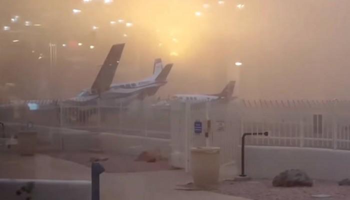 Άνεμος μετακινεί σταθμευμένο αεροσκάφος σαν να είναι… χάρτινο