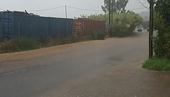Δεν πρόλαβε να ρίξει πρωτοβρόχι και έγινε ρυάκι ο συνήθης δρόμος στα Χανιά