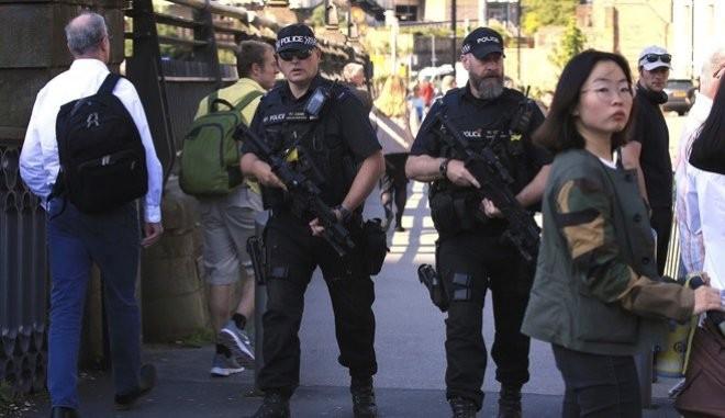 Συναγερμός στο Μάντσεστερ: Πυροβολισμοί σε πάρτι - 10 τραυματίες