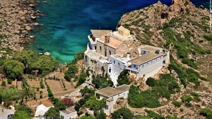 Οι 93 Παναγιές της Κρήτης – Μονές και εκκλησιές